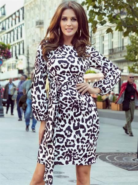 Barna és fehér ruha leopárd mintával numoco